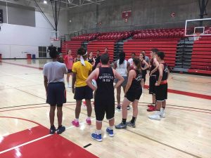 Entrenamiento de basquet con King's School